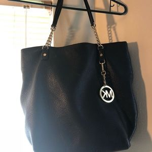 Black leather MK  purse. Great condition!
